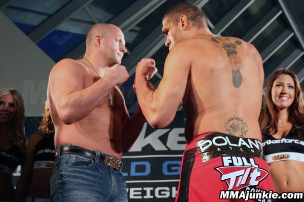 Pesaje Strikeforce: Fedor vs. Silva - Silva tiene casi 15 kilos más que Fedor 2