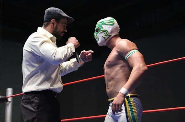 Karoui vs. Zumbi / Foto cortesia de Lucha Libre Mundial