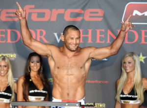 Dan Henderson - Pesaje (29/7/11) previo a Strikeforce and M-1 Global: Fedor vs. Henderson / Photo by: Josh Hedges - Strikeforce.com