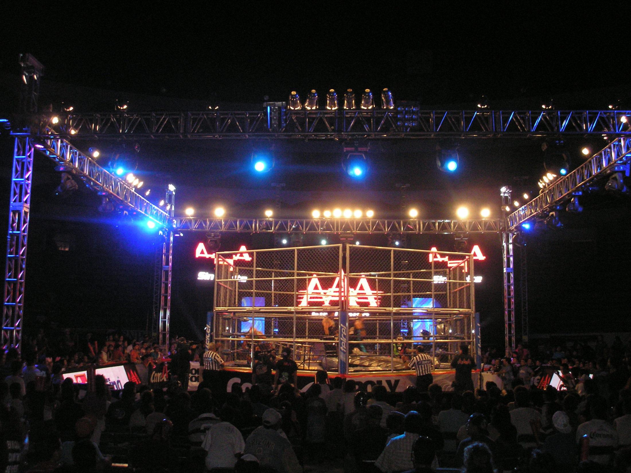 AAA Verano de Escándalo 2011 (resultados 31 de Julio) ¡Jeff Jarrett retiene con la ayuda del Zorro enmascarado!- X- Fly pierde la cabellera- Pimpinela nueva Reina de reinas 6