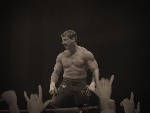 Videos WWE: La Última Lucha de Eddie Guerrero #VivaLaRaza 1