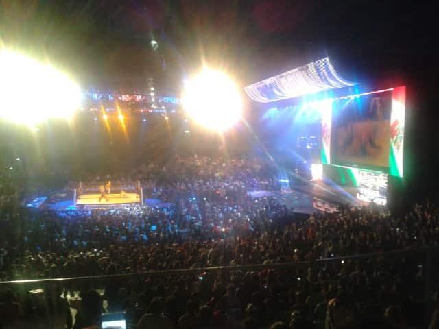 Máscara vs. Máscara - Sin Cara Azul vs. Sin Cara Negro - WWE SmackDown en el Palacio de los Deportes (16.10.11) / Twitter.com/Mario_Priceless