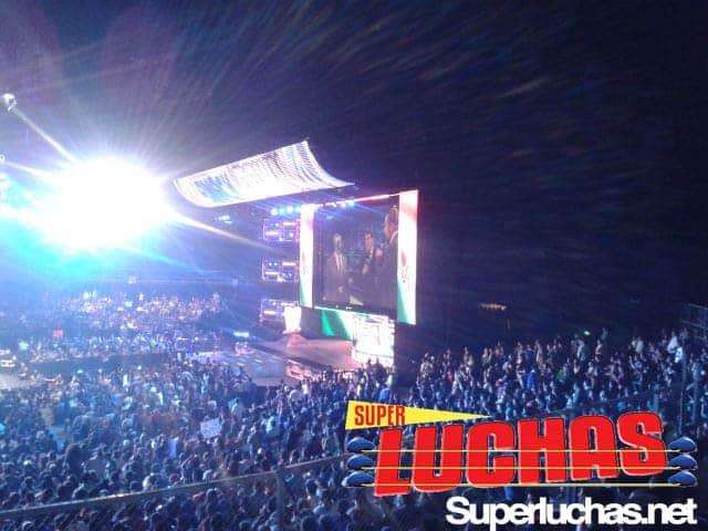 Mil Máscaras en WWE SmackDown (Palacio de los Deportes - 16 de octubre de 2011) / Image by: Mario Camacho