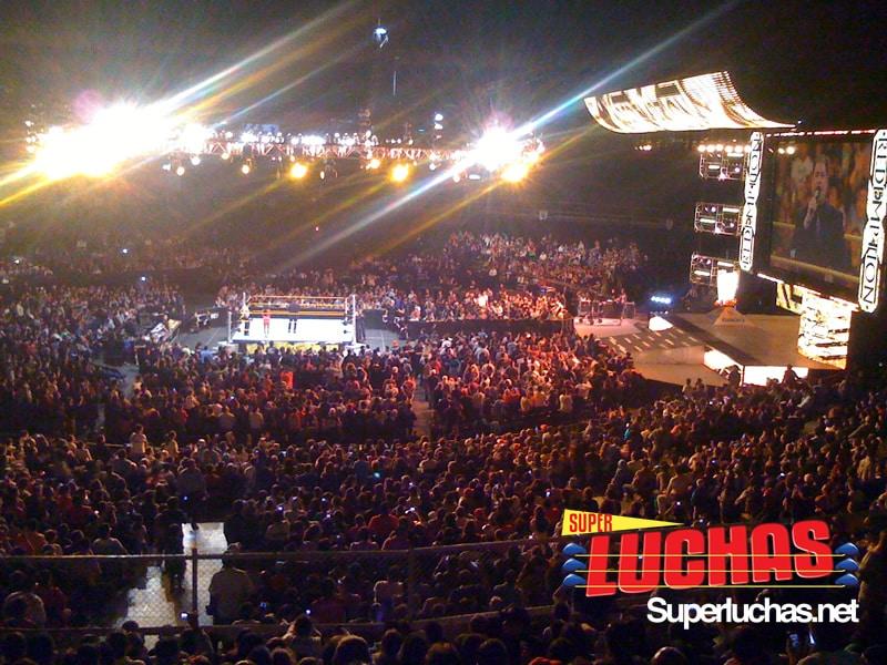 WWE en México (Palacio de los Deportes de la Ciudad de Mexico - 16 de octubre de 2011) / Photo by: Edgar Bernal