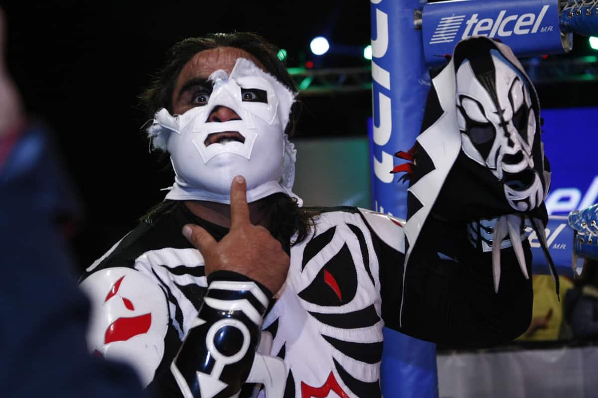 AAA: Lo sucedido este 26 de nov. en Pachuca – L.A. Park humilla al Hijo del Dr. Wagner Jr. – Gunner vence a Monster Clown 1