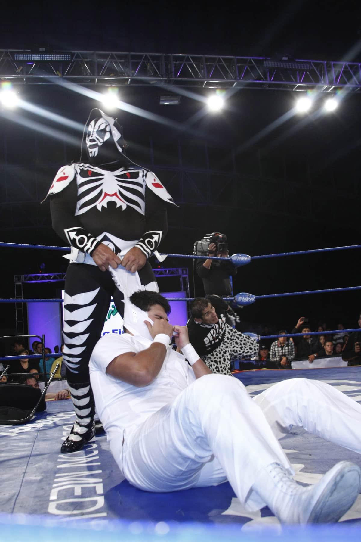 AAA: Lo sucedido este 26 de nov. en Pachuca – L.A. Park humilla al Hijo del Dr. Wagner Jr. – Gunner vence a Monster Clown 3