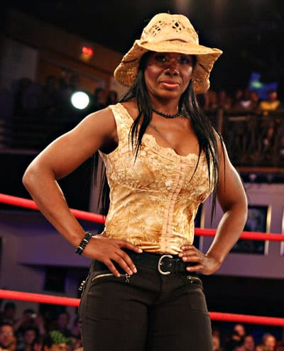 Jackie Moore / Image cortesy of iMPACTWrestling.com to Súper Luchas