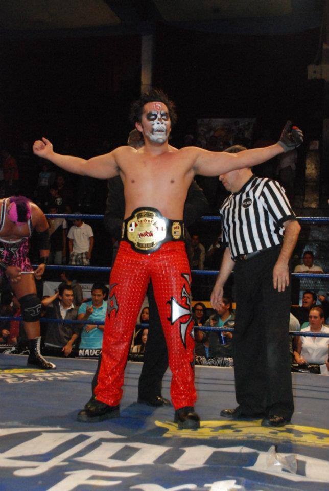 IWRG (Resultados 22 de marzo): Bestia 666, nuevo Campeón Junior de Junior's - La Familia de Tijuana triunfa con una colmillada 1