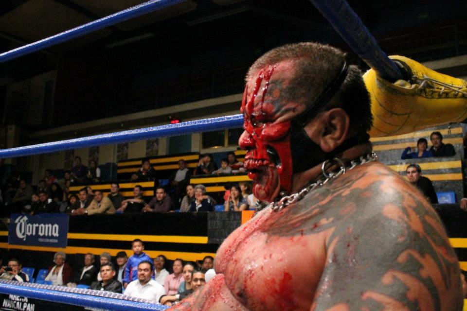 IWRG (Resultados 22 de marzo): Bestia 666, nuevo Campeón Junior de Junior's - La Familia de Tijuana triunfa con una colmillada 4
