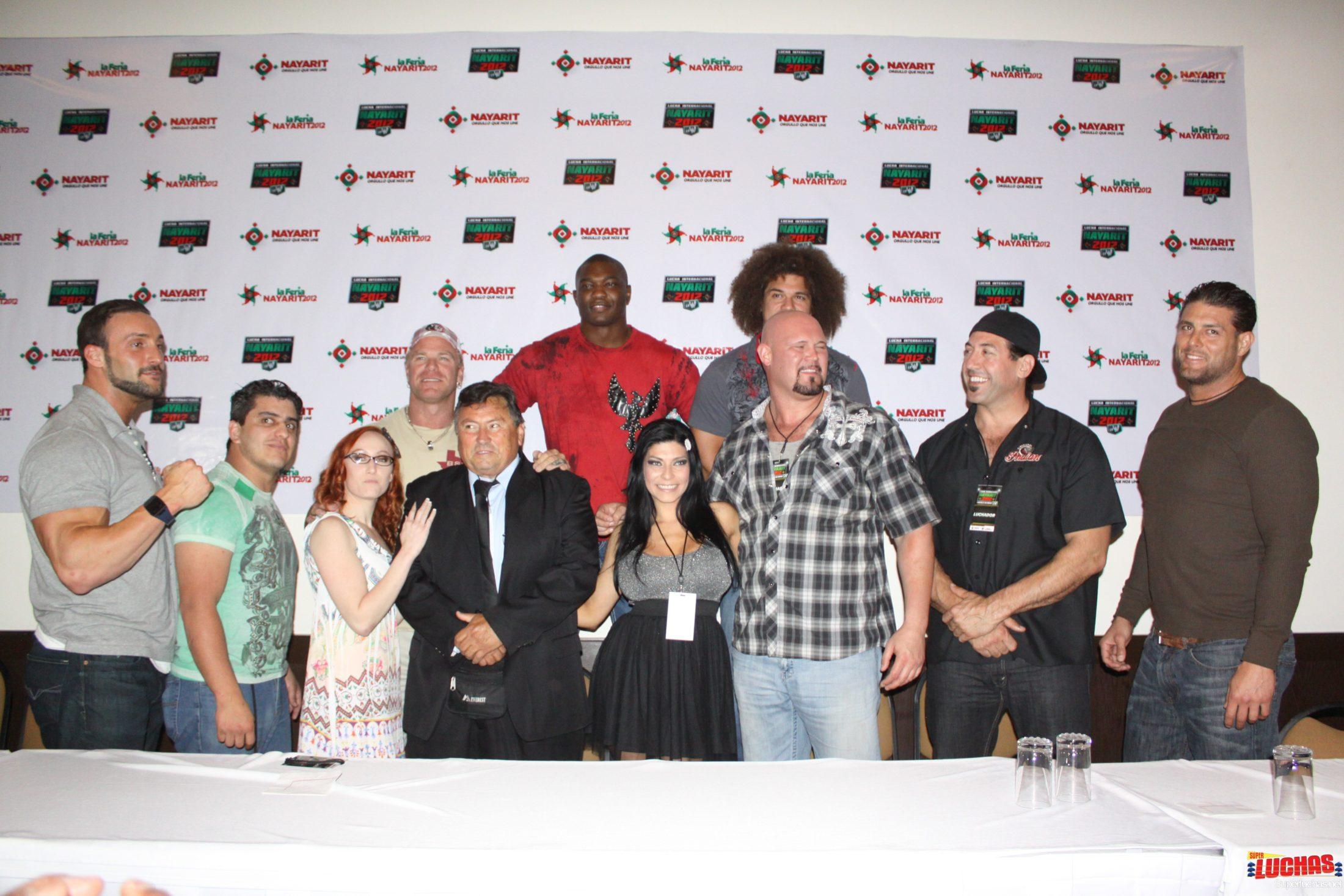 Conferencia de prensa en Tepic / foto de Rostro Oculto