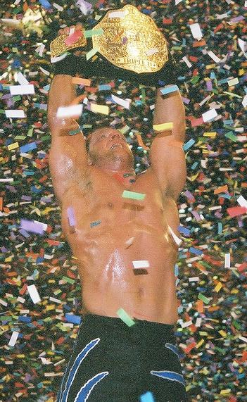Chris Benoit se corona WWE World Heavyweight Champion en WrestleMania XX / Photo by: TheHellraiser - Wikipedia.org