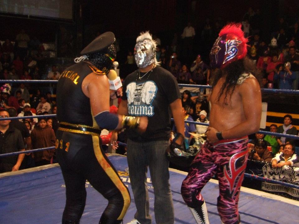 IWRG (Resultados 17/Jun/12): Trauma II desenmascara a Shadow Phoenix – Vacante, el título de La Familia de Tijuana 3