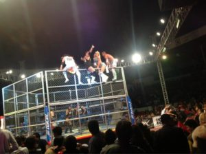 AAA en Tlahuelilpan: ¡Electroshock ensangrentado! – ¡Los Perros del Mal triunfan en la jaula! (12/Oct) 1
