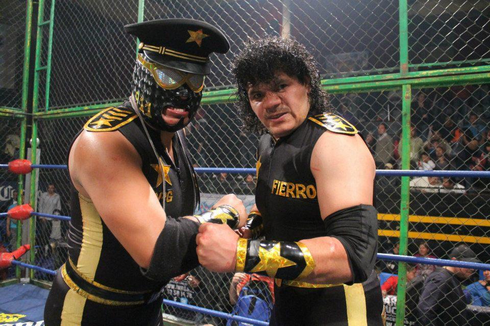 Castillo del Terror 2012: ¡Oficial Fierro pierde la máscara! 5