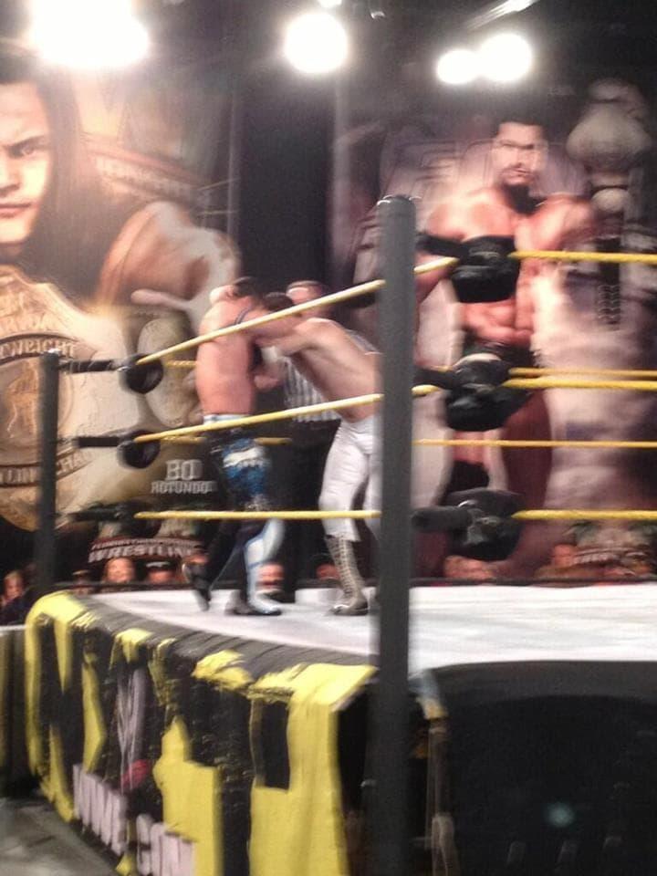 Evan Bourne (negro) regresa tras 14 meses y enfrenta a Sammy Sane (El Genérico) (NXT Wrestling - 28/3/13) / Twitter.com/lindseyhxx