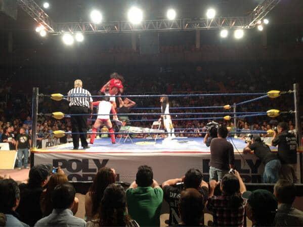 Los Perros vs La Secta /Image by @Lucha_Libre_aaa