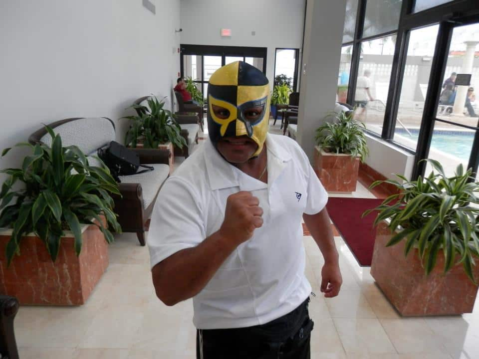 "Pierrothito en Puerto Rico, listo para WWL ""Idols of Wrestling"" / 20 de abril de 2013 / Photo by WWL Mundial en Facebook"