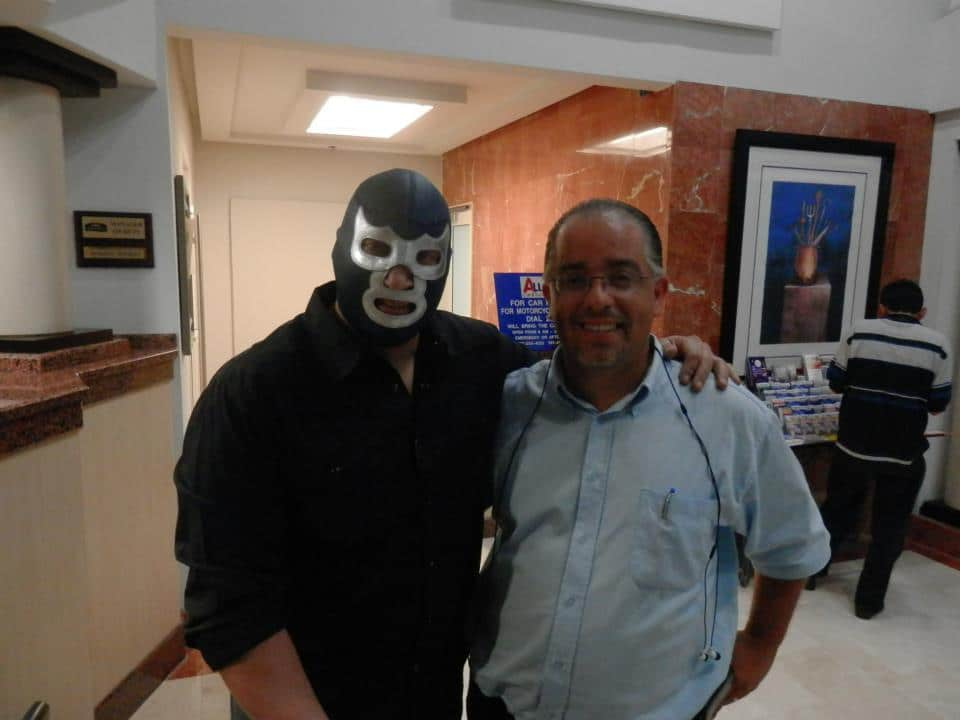 "Blue Demon Jr. y el Productor de WWL, Danny Nieves Gerena en Puerto Rico, listos para WWL ""Idols of Wrestling"" / 20 de abril de 2013 / Photo by WWL Mundial en Facebook"