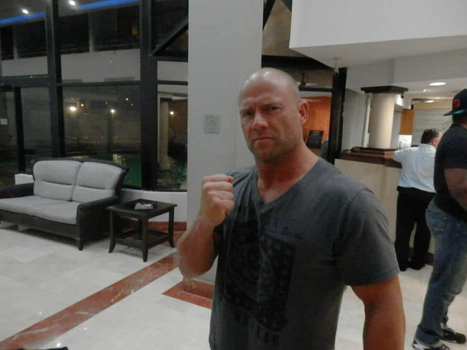"""""""El Patrón de La Migra"""" Oliver John, Campeón Completo PWR, en Puerto Rico, listo para WWL """"Idols of Wrestling"""" / 20 de abril de 2013 / Photo by WWL Mundial en Facebook"""