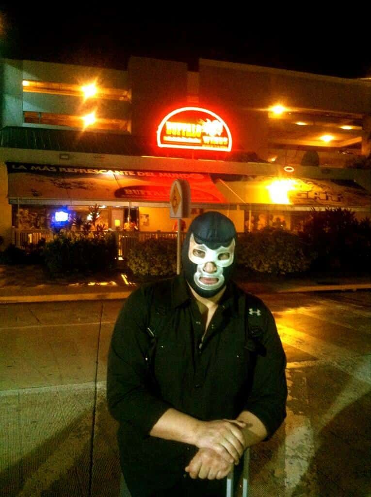 "Blue Demon Jr. en Puerto Rico, listo para WWL ""Idols of Wrestling"" / 20 de abril de 2013 / Photo by @BlueDemonjr en Twitter"