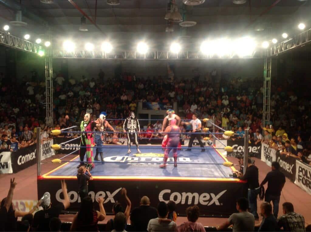 AAA Evolución: La Parka sentencia al Villano IV rumbo a Triplemanía XXI, ante la mirada de Los Psycho Circus / Auditorio Municipal de Tampico, Tamps. – 24 de mayo de 2013 / Photo by @Lucha_Libre_AAA en Twitter
