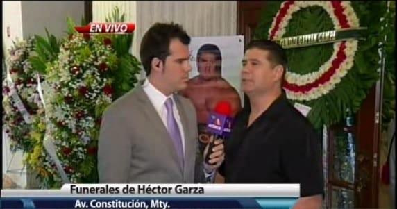 Humberto Garza Jr. en el funeral de su hermano Héctor Garza (q.e.p.d.) / Capillas del Carmen, Monterrey, Nuevo León - 27 de mayo de 2013 / Captura de pantalla por Dement X-treMEX 187 - http://info7.mx