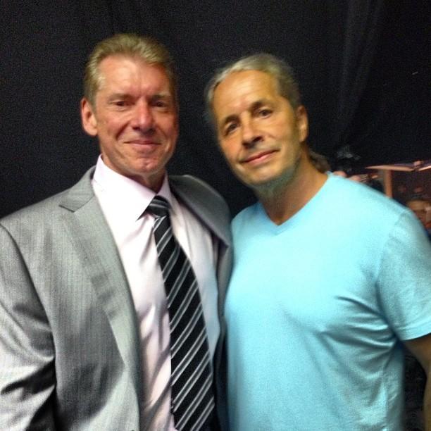 Vince McMahon & Bret Hart en #BretHartNight RAW - Imagen por Instagram @raw