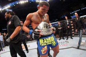 Anthony Pettis, nuevo UFC Lightweight Champion tras derrotar por Rendición a Benson Henderson en UFC 164 (31/8/13) / © UFC