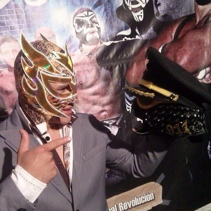 Golden Magic gana la máscara de Oficial 911 1
